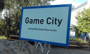 Game City vor dem Eingang